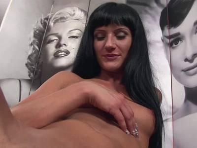 Dünne Blondine beim Deutschen Amateur Sex vor der Kamera gebumst